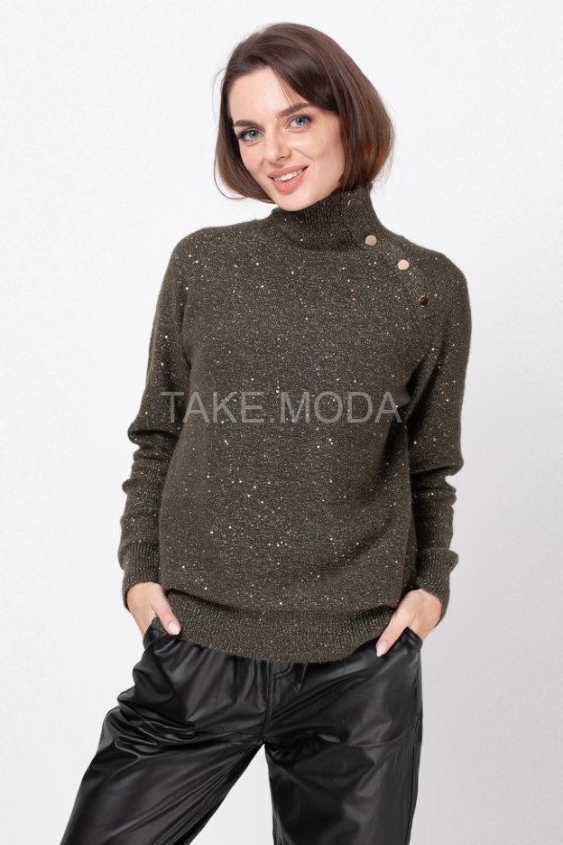 Нарядный свитер с пайетками