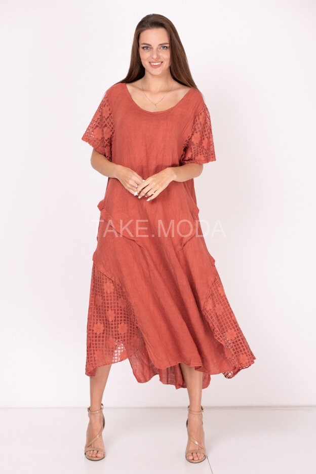 Льняное платье с ажурными вставками
