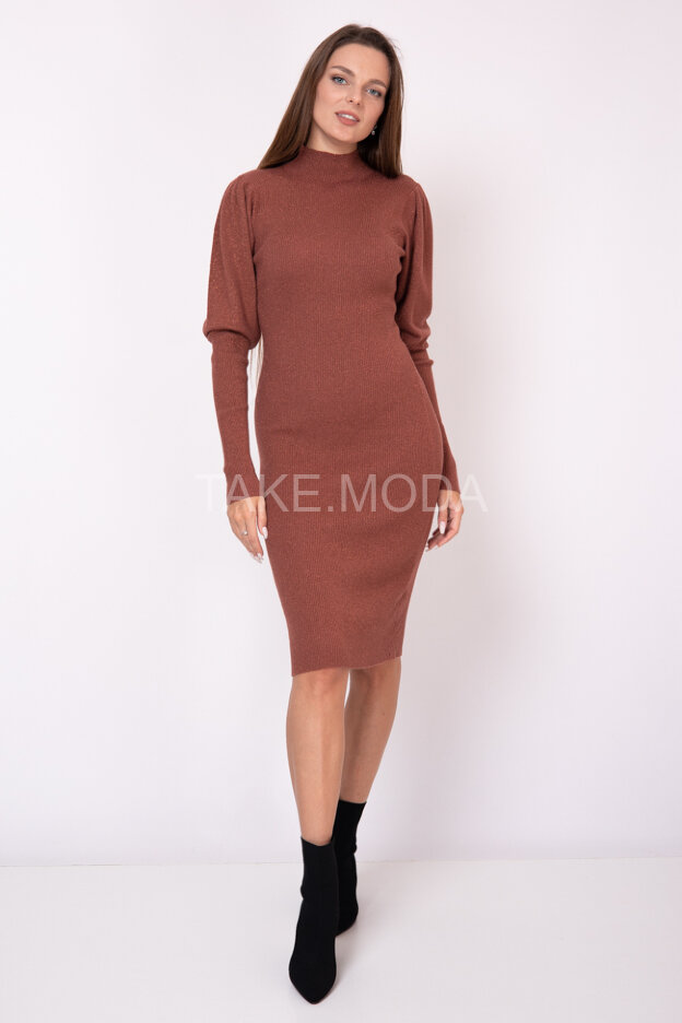 Платье с люрексом и воротником стойка