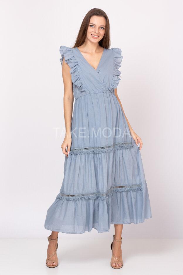 Платье макси украшенное ажурной вставкой