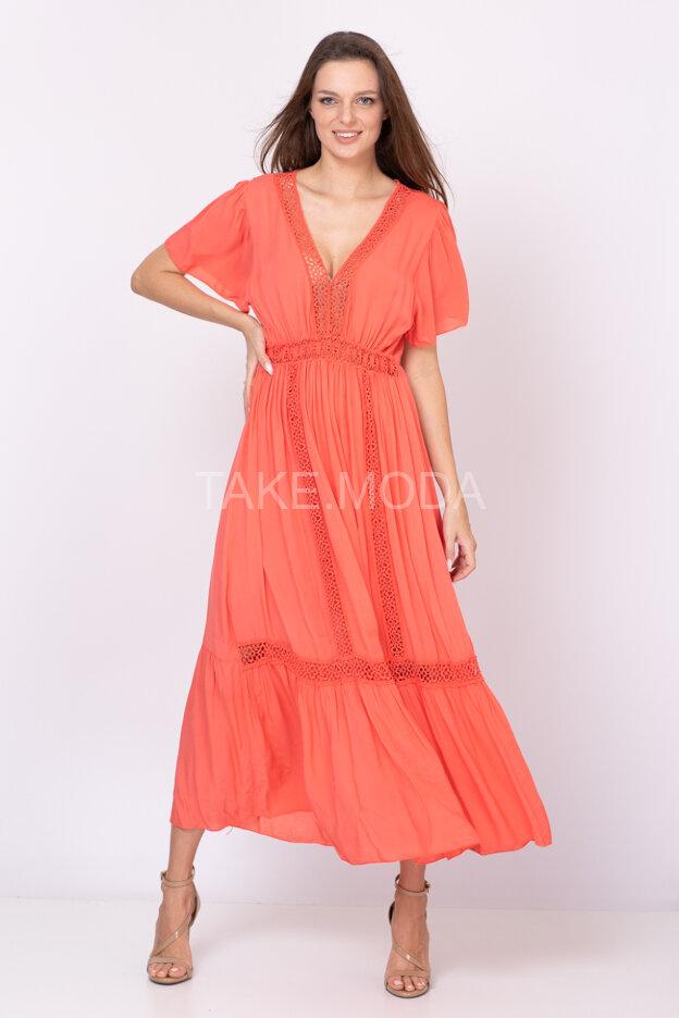 Вискозное платье украшенное ажурными вставками