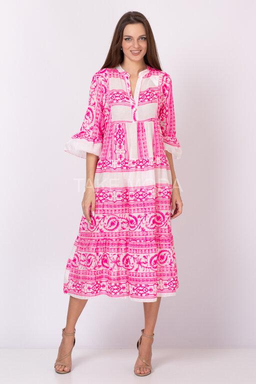 Хлопковое платье украшенное шитьем