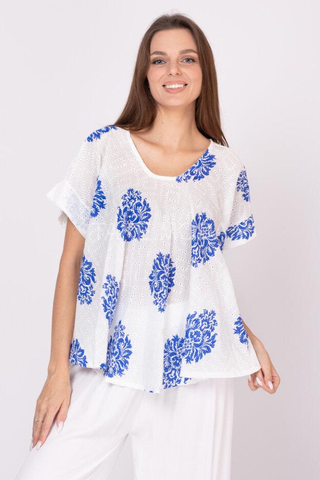 Блуза с перфорацией и ажурным шитьем