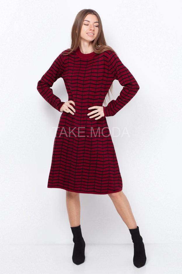 Трикотажное платье А-силуэта миди длины