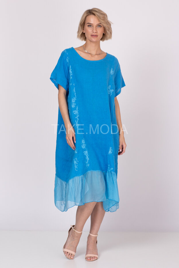 Льняное платье украшенное шитьем