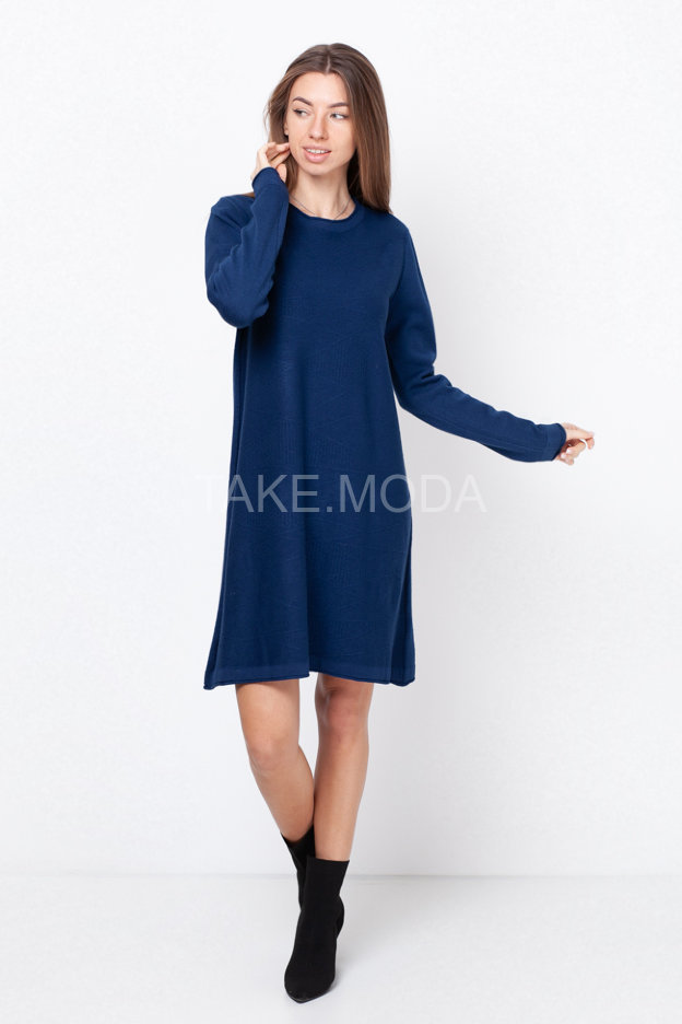 Трикотажное платье с фактурной вязкой