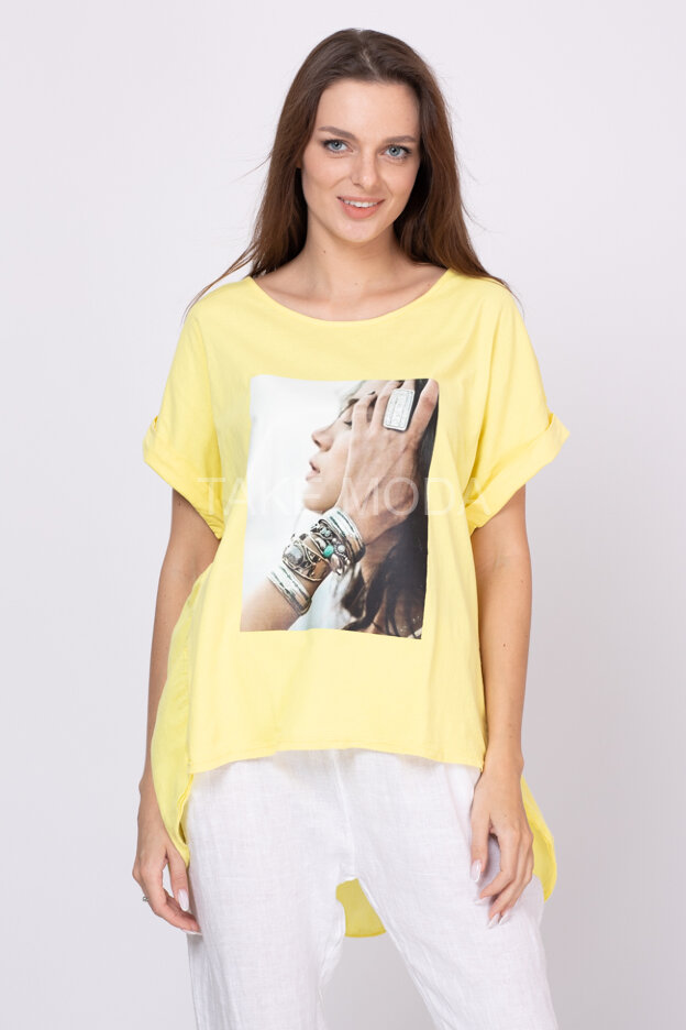 Хлопковая блуза с фотопринтом девушка