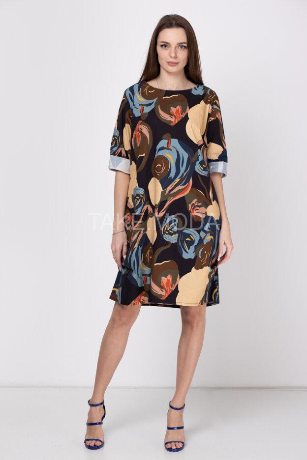 Платье с ярким абстрактным принтом