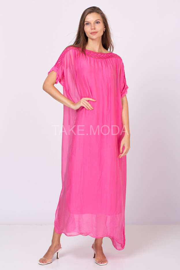Шелковое платье с ажурной вставкой
