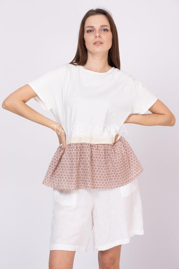 Блуза украшенная шитьем