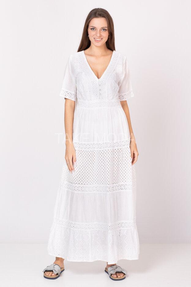 Ярусное платье украшенное ажурным шитьем