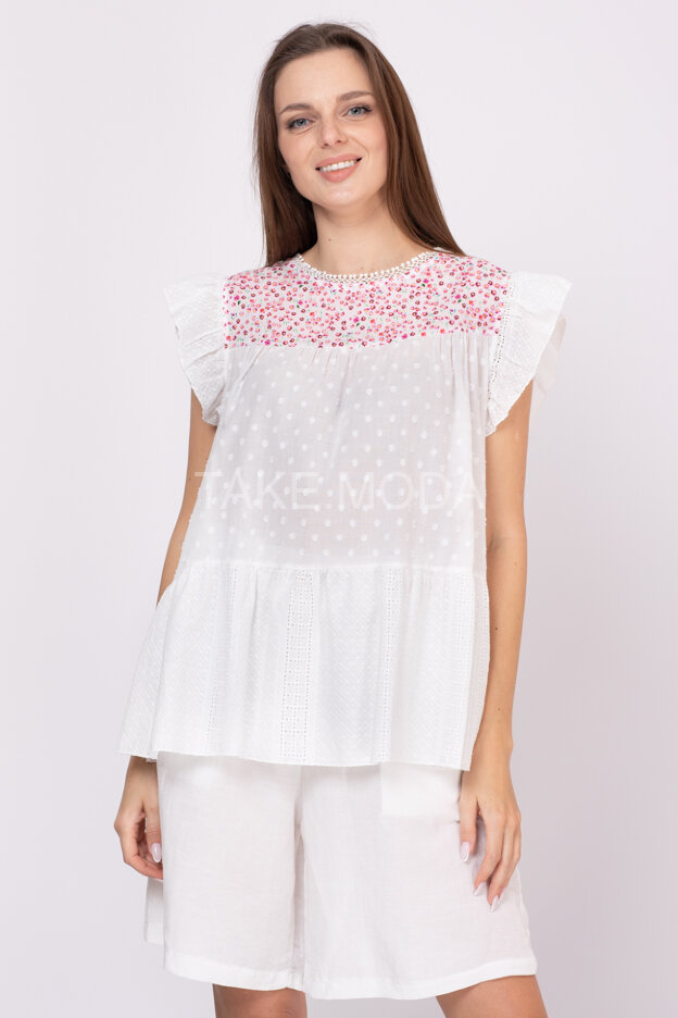 Ярусная блуза украшенная шитьем