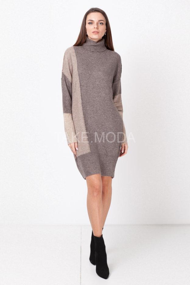 Трикотажное платье длины миди