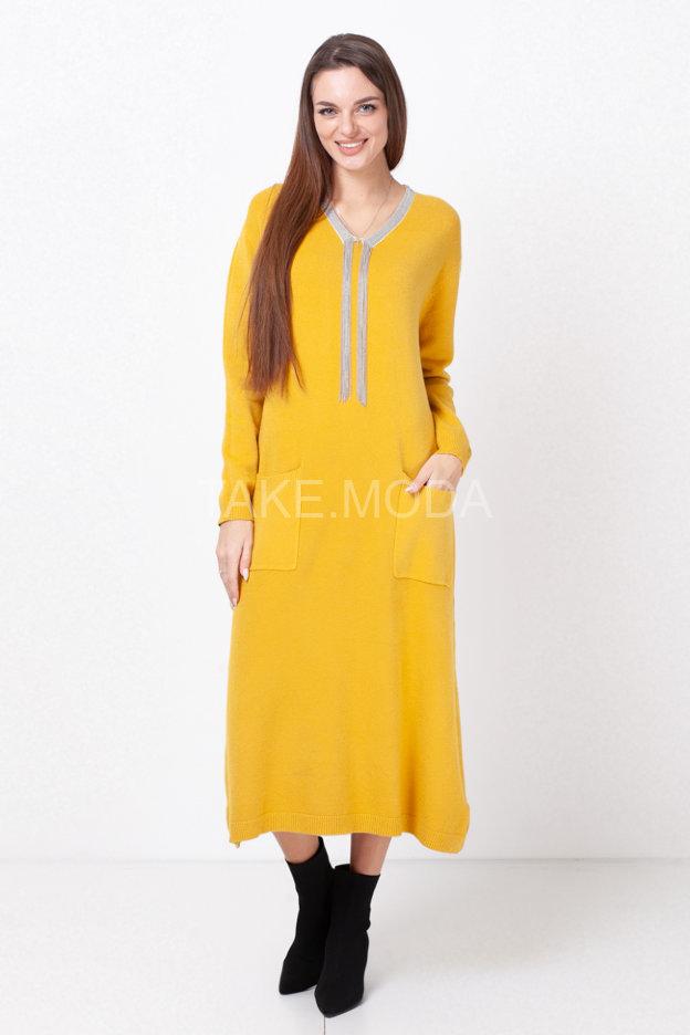 Трикотажное платье декорированное цепочками